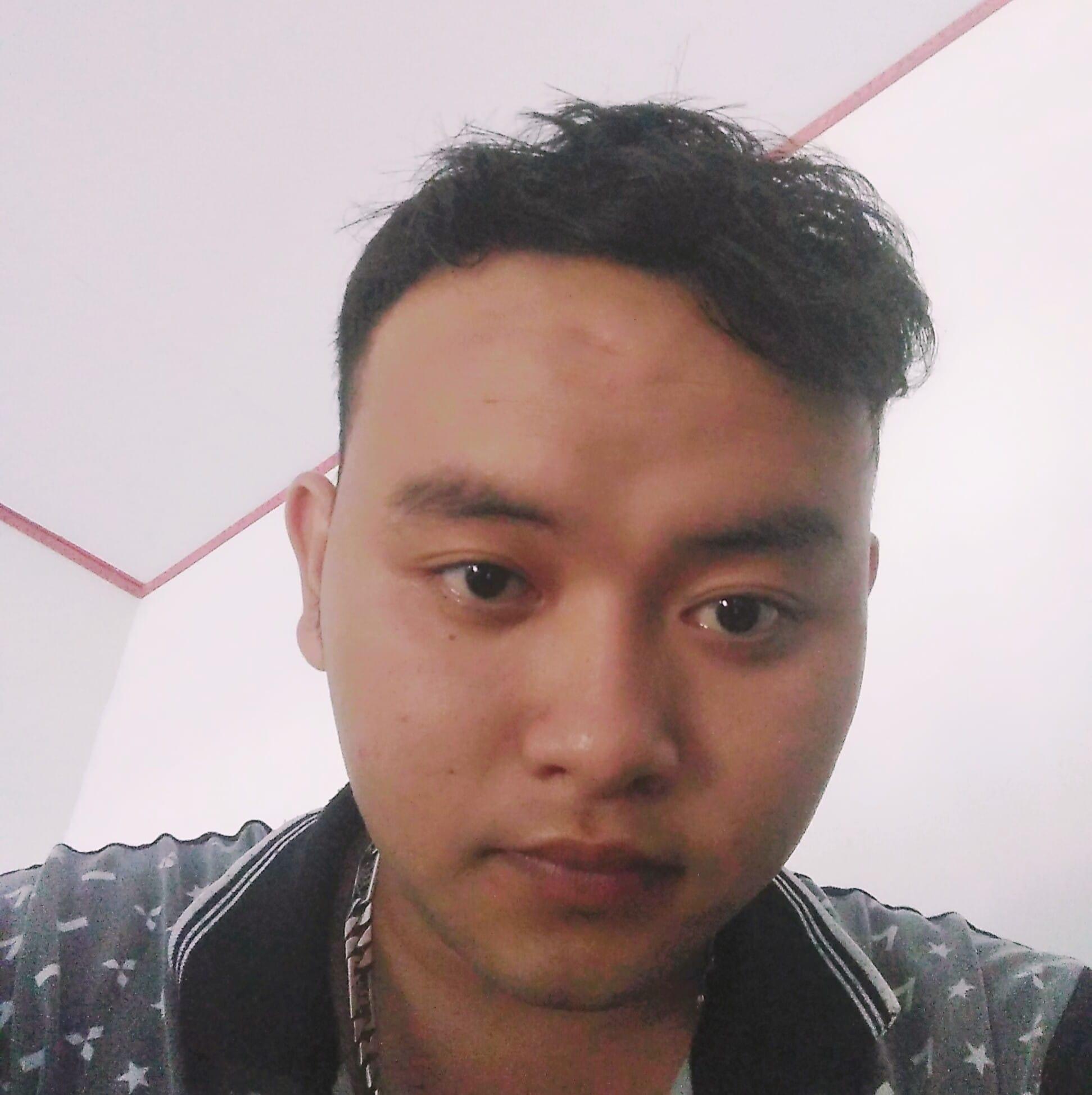 HOANG DINH TUONG