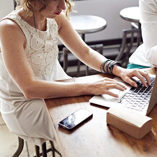 Khó khăn và hấp dẫn khi tham gia Freelancer